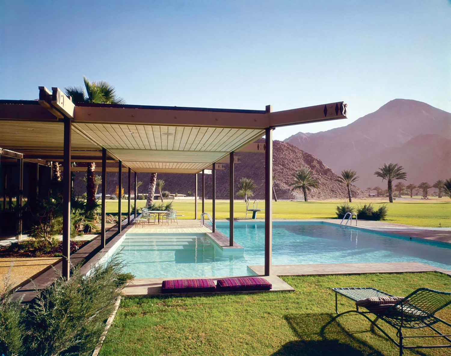 Consider This Book A Beautiful Ode To Midcentury Leisure And Luxury {Consider This Book A Beautiful Ode To Midcentury Leisure And Luxury} – English