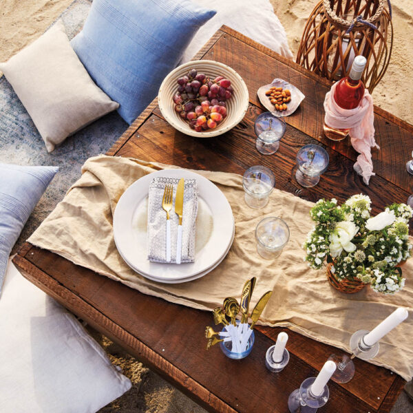 The Best Table In The Hamptons Is Actually On A Picnic Blanket