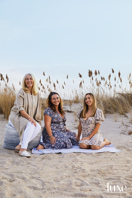 desintation haus trio on beach