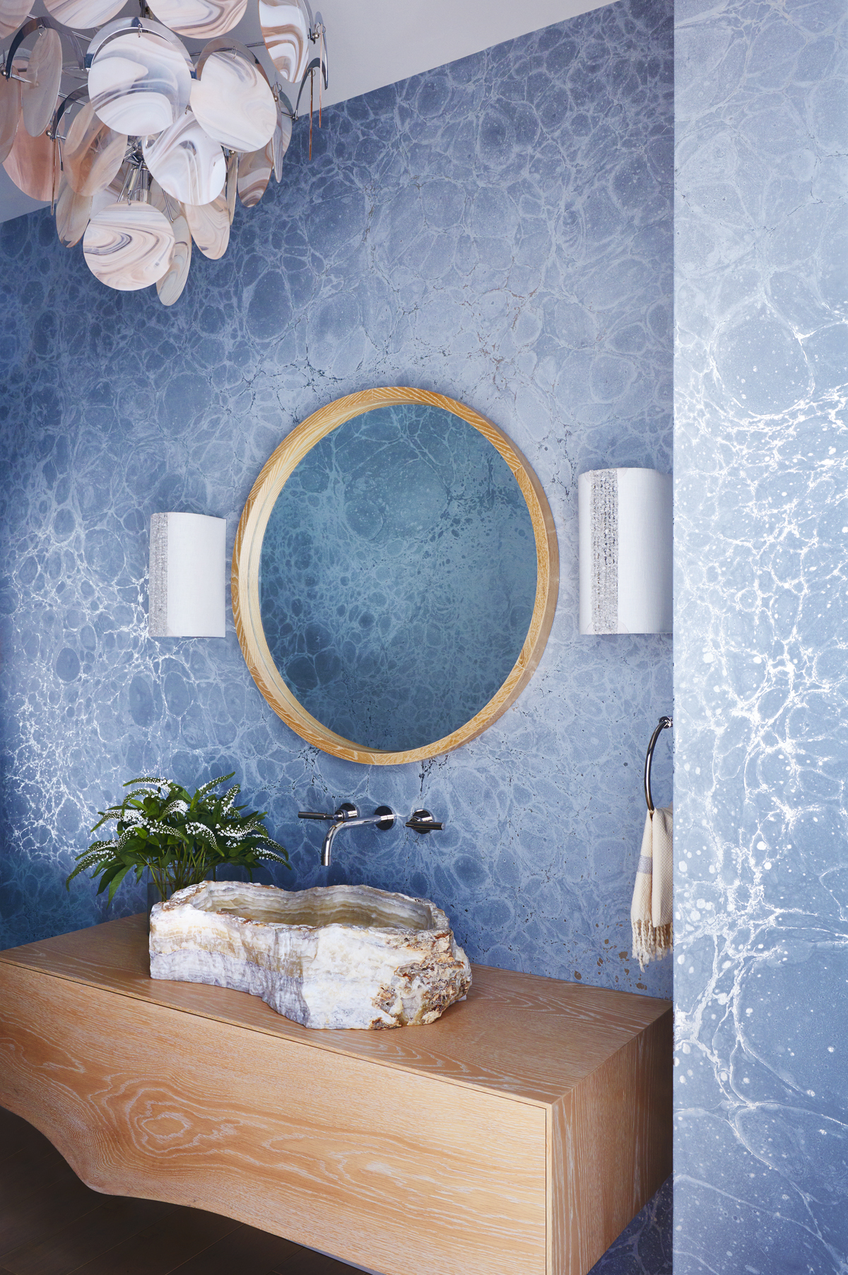 Amy Lau Calico wallpaper lumaris powder room