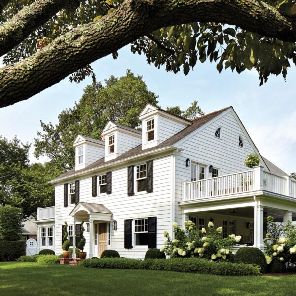 Deco Style Meets Seaside Charm In This 1919 Hamptons Retreat
