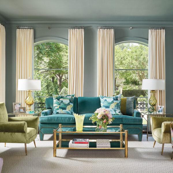 Let This Vibrant Dallas Home Exhibit The Beauty In Mixing Styles